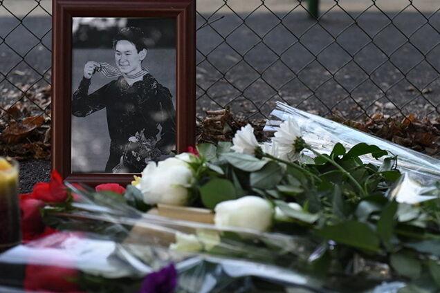 Импровизированный мемориал на месте убийства