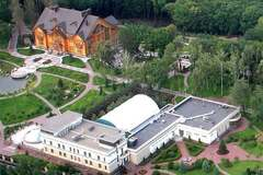 ''Золотого батона нет'': вокруг ''Межигорья'' Януковича разгорается новый скандал
