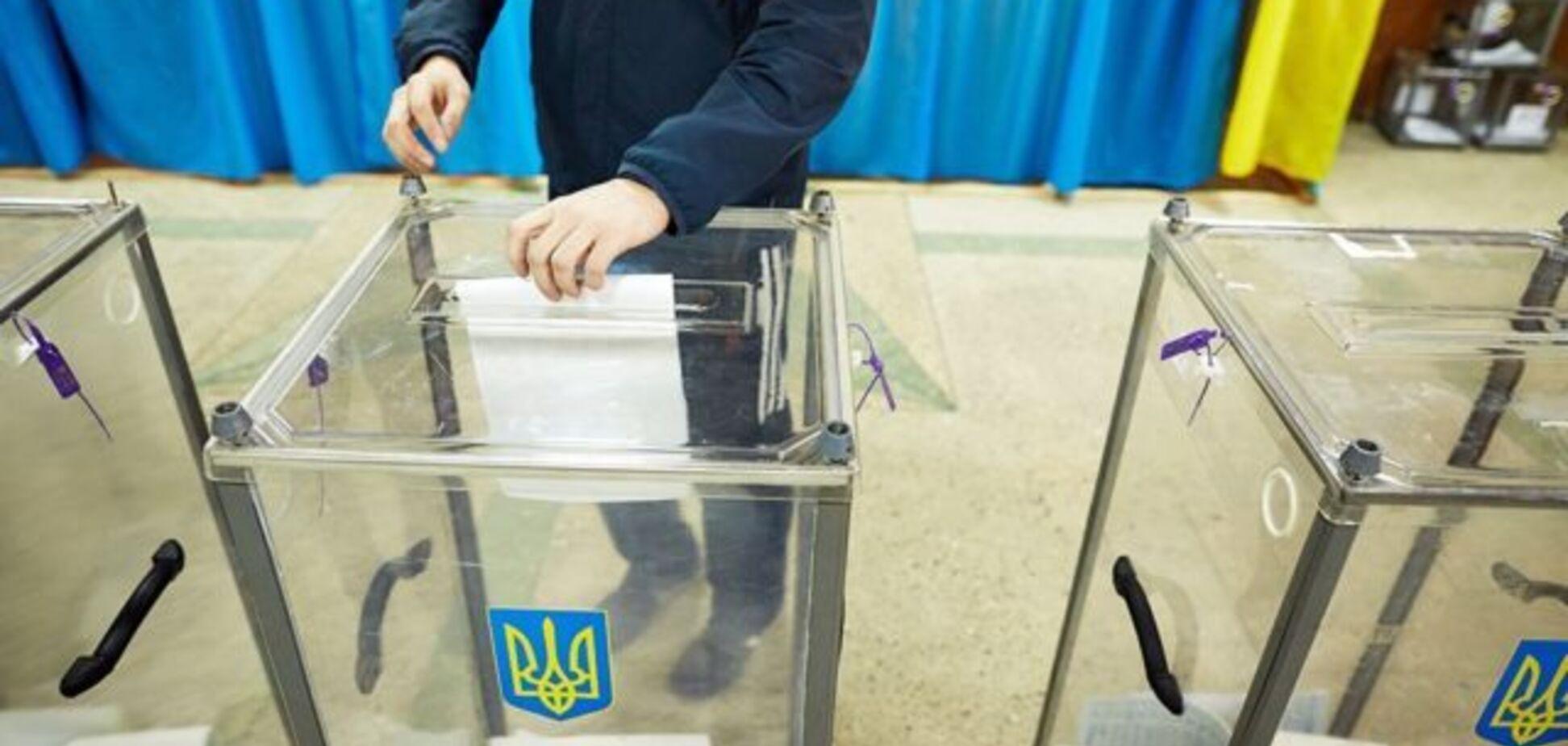 Выборы президента в Украине: Аваков сообщил о первых каруселях