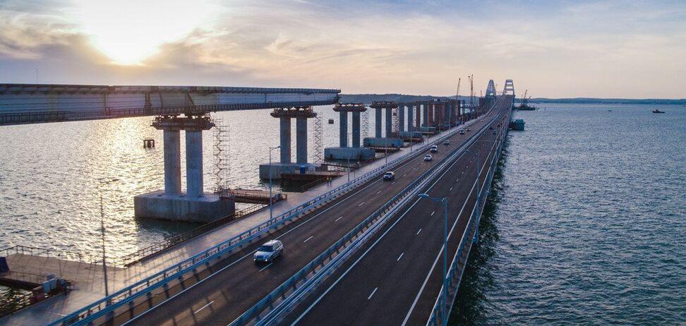 ''Нужно разбирать!'' В России забили тревогу из-за Крымского моста
