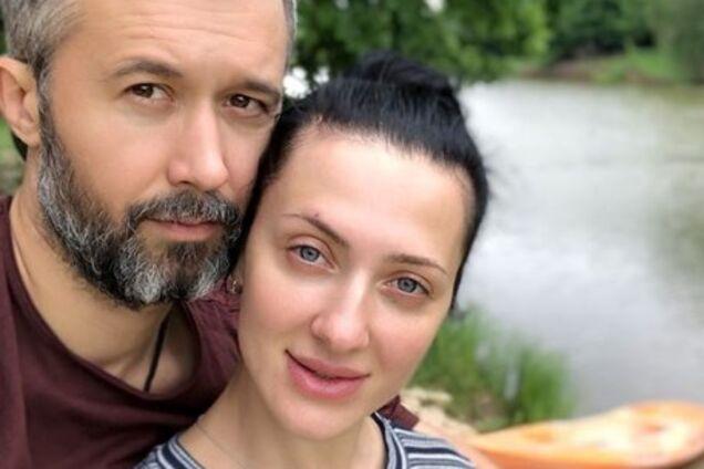 Обнаженная супруга Сергея Бабкина показала пикантное фото с певцом