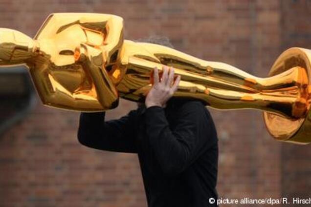 """Холодильники и курятники: где голливудские звезды хранят свой """"Оскар"""""""
