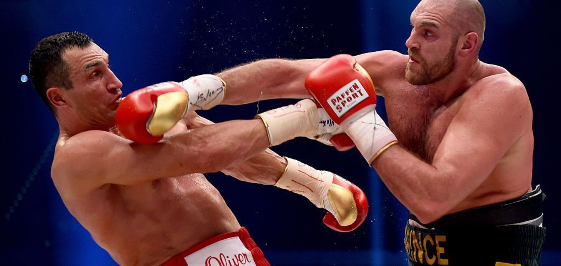 ''Ему пришлось'': легендарный чемпион рассказал, почему на самом деле Кличко проиграл Фьюри