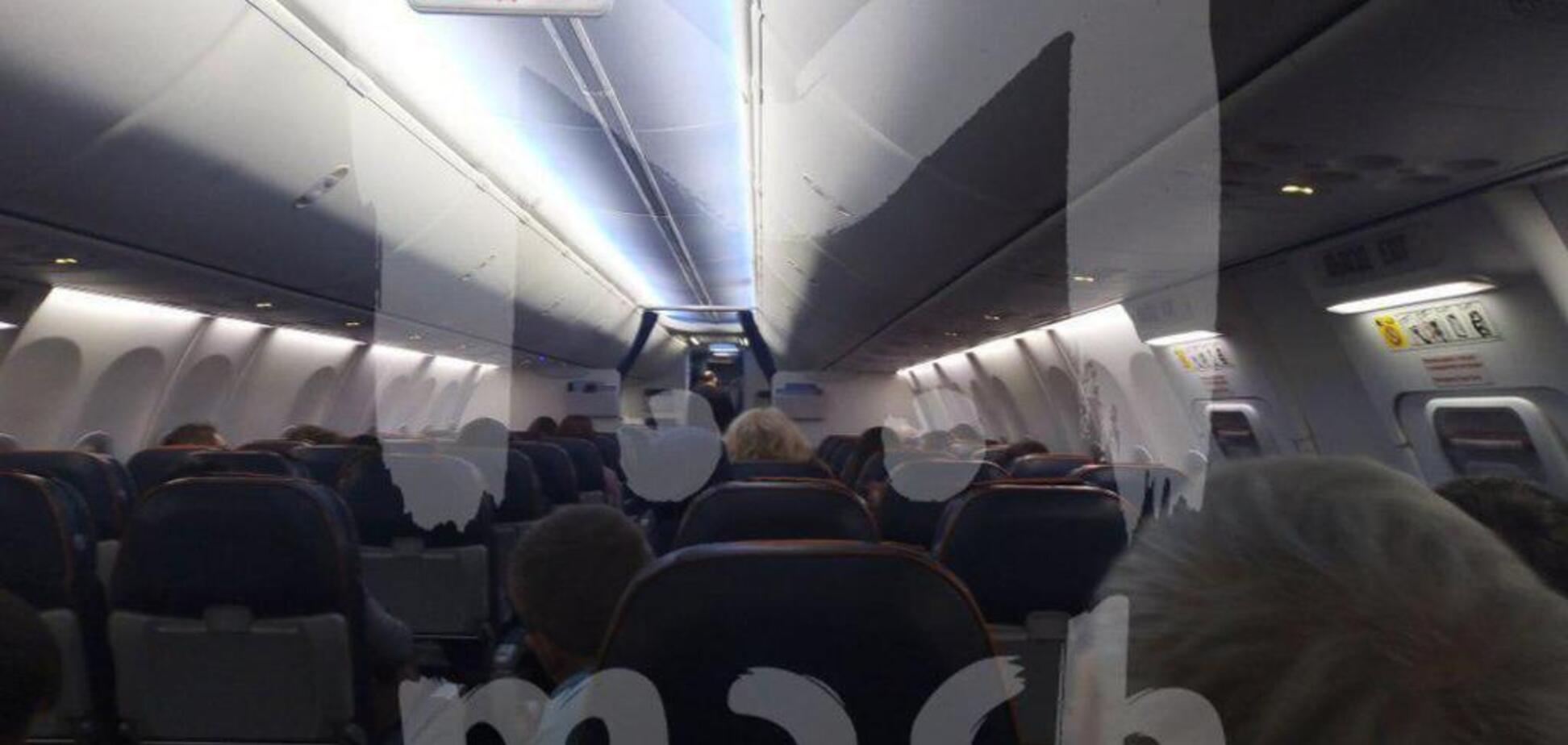 'Руки за спину!' Появилось видео штурма захваченного в России пассажирского самолета