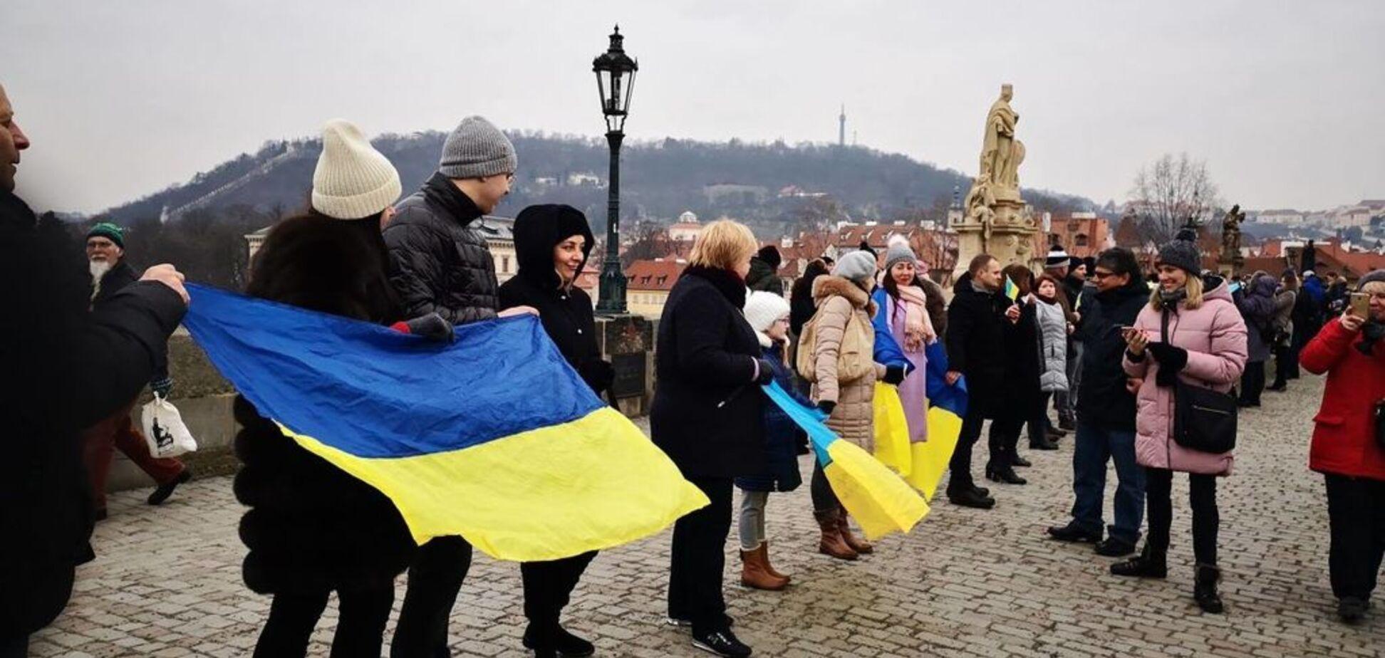 'До сих пор тяжело понять': украинцам признались, откуда взялся главный символ Дня Соборности