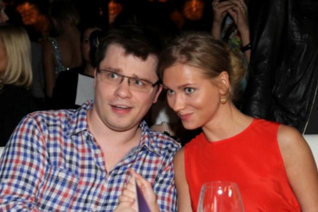 ''Не становись Бузовой!'' Раздетая жена Харламова вызвала негодование в сети
