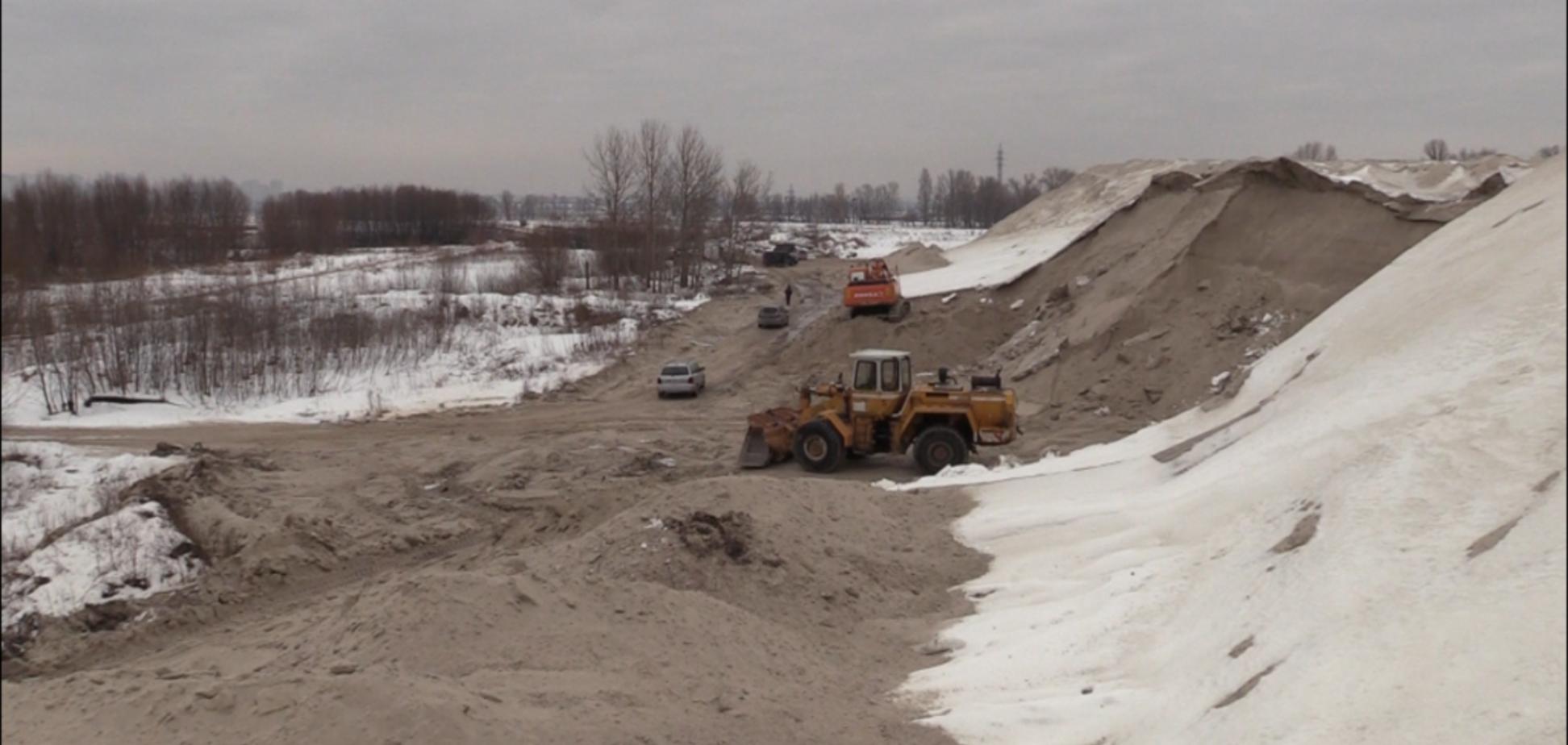 Добыча песка: на Киевщине снова наткнулись на браконьеров