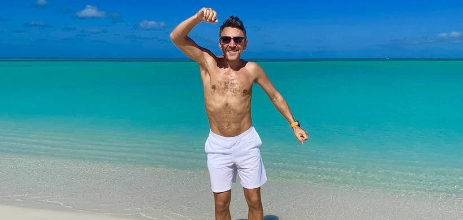 ''Хвастаться нехорошо'': Шнуров пожаловался на проблемы на роскошном отдыхе