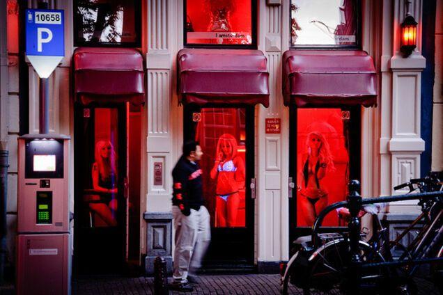 Секс-работницы в Нидерландах обиделись на туристов: что случилось