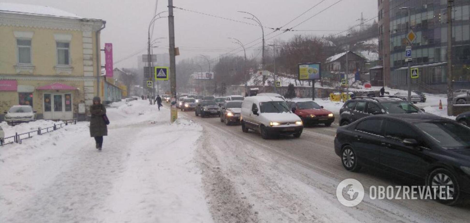 1200 ДТП и жертвы: Украину накрыл мощный снегопад