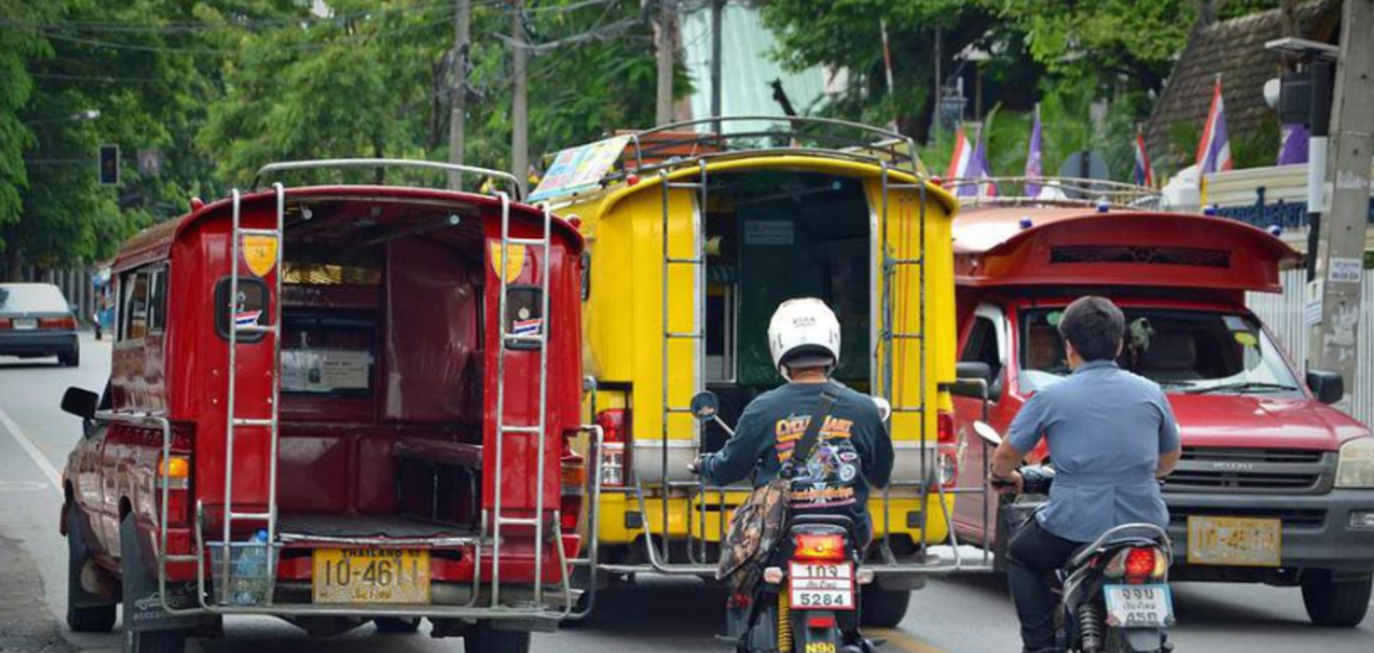 Вилетів у глибоку канаву: в Таїланді трагічно загинув російський турист