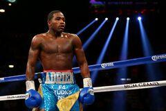 Экс-чемпиона мира по боксу объявили в розыск
