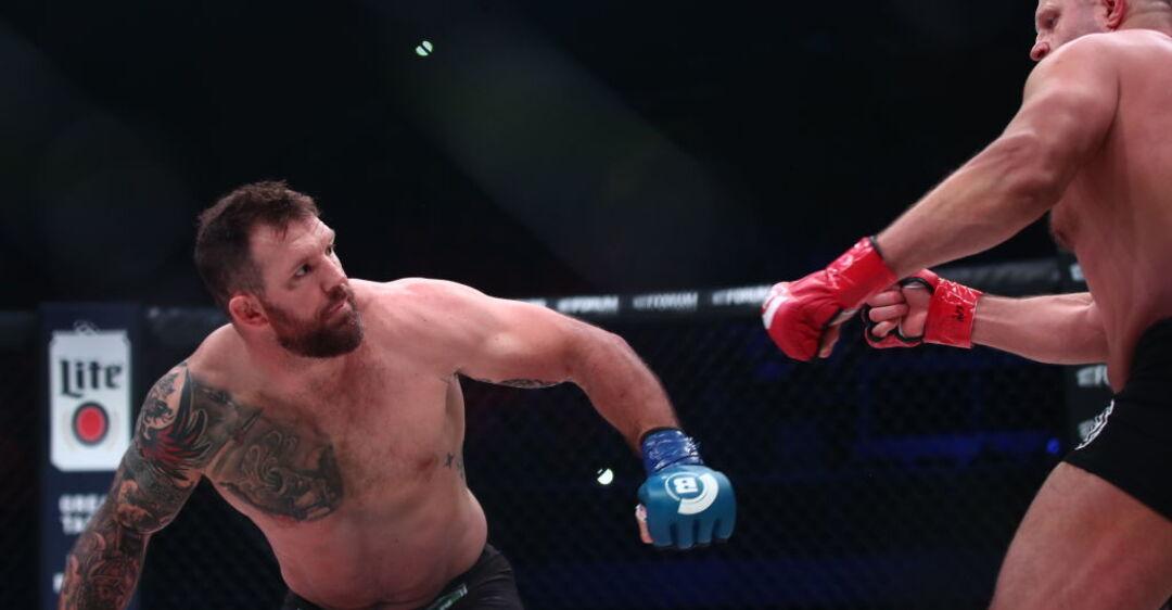Нокаут первым ударом: Емельяненко позорно проиграл чемпионский бой
