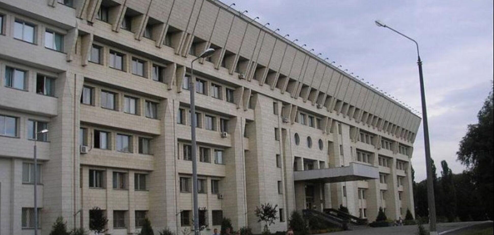 ''Лез целоваться, хватал за ягодицы'': в Киеве разгорелся секс-скандал вокруг известного университета