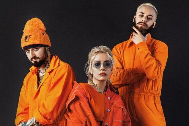 Зліва-направо: Олександр Люлякін (барабани), Соня Сухорукова (вокал), Данило Марін (клавішні)