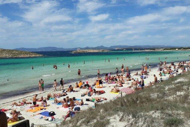 Любителей секса на пляже обвинили в порче популярного курорта