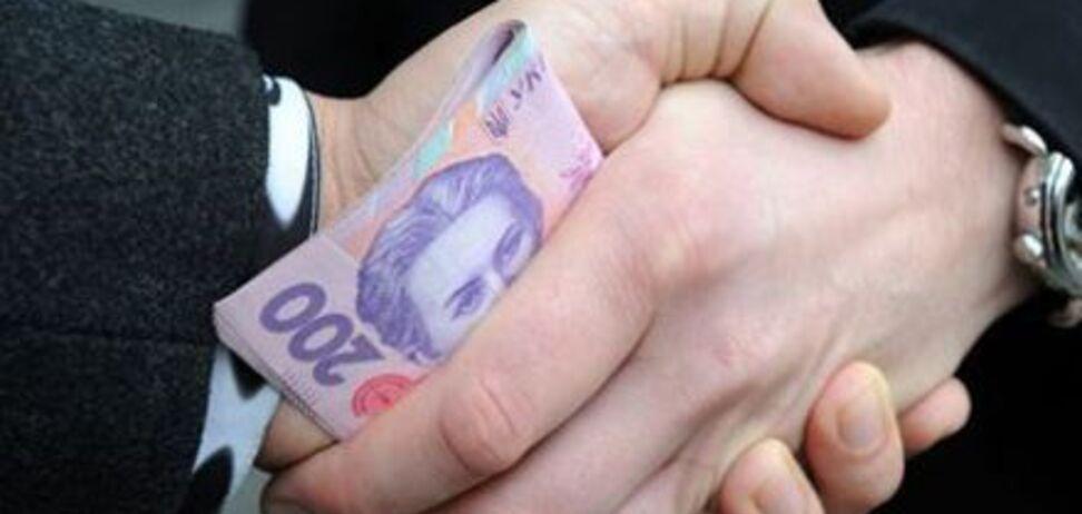 Скандал у школі на Донеччині: відео з підкупом голосів за Порошенка виявилося фейком