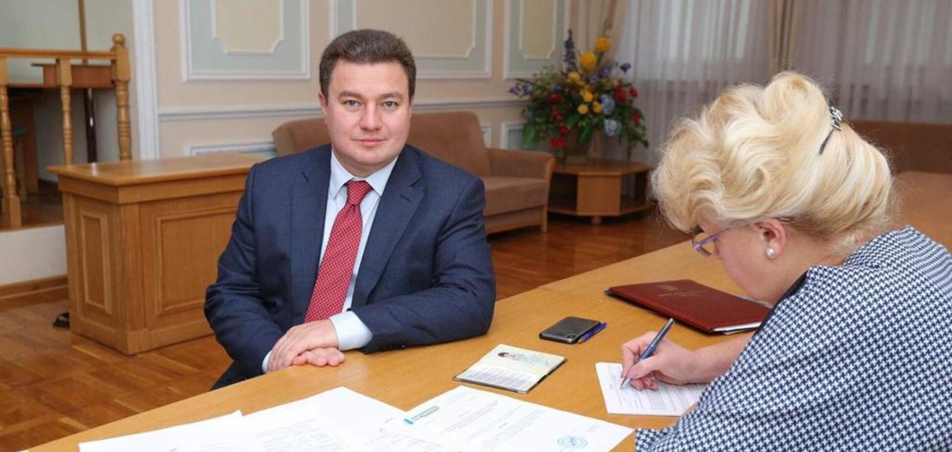 Бондарь подал документы в ЦИК для регистрации кандидатом в президенты