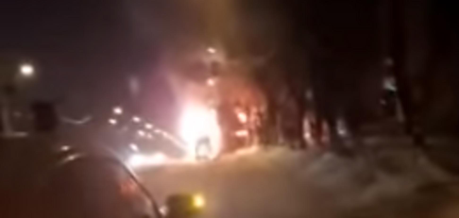 ''Люди валяются горелые!'' В сети всплыло новое видео со взрывом ''начиненной'' маршрутки в Магнитогорске