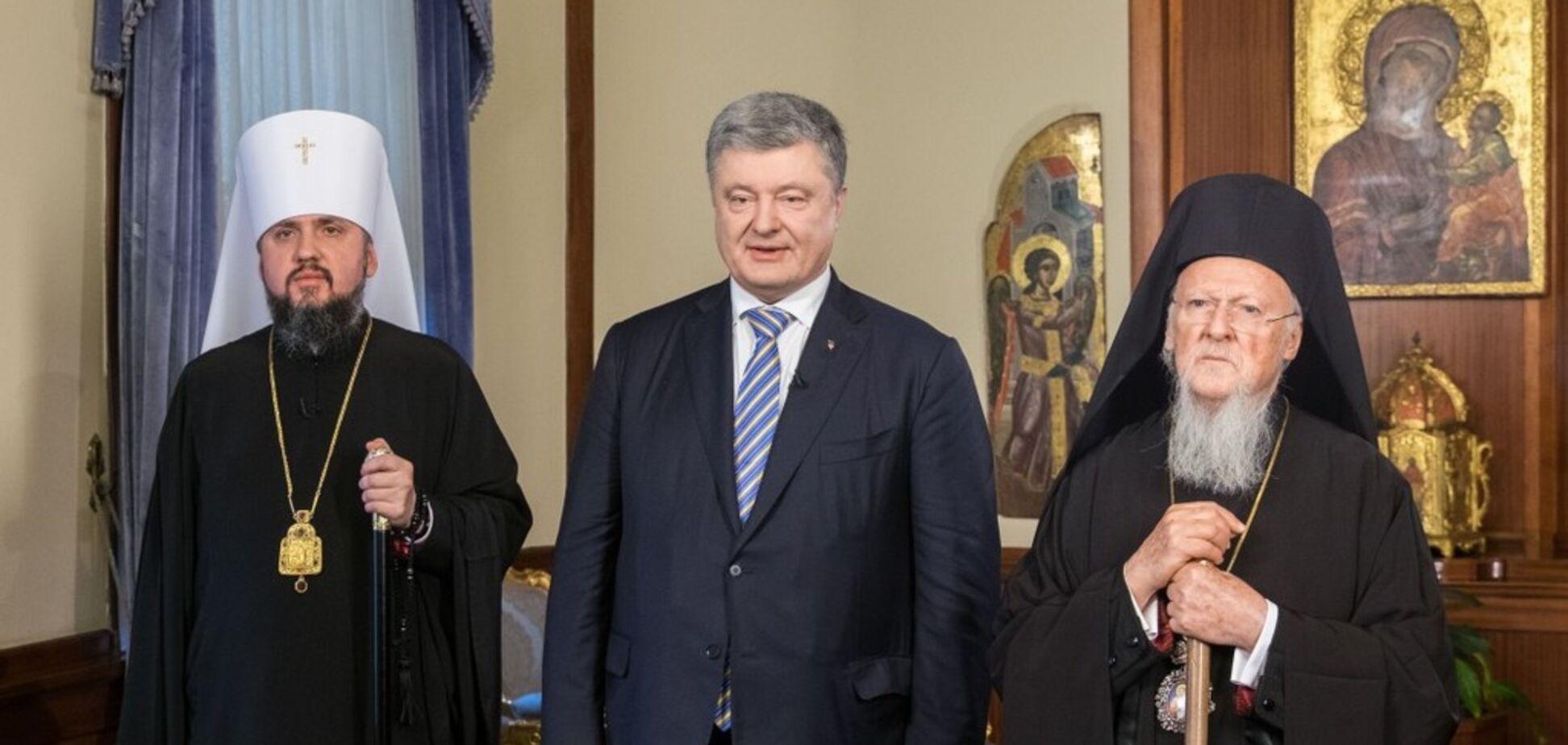 У Росії зібралися піддати анафемі Порошенка і Епіфанія