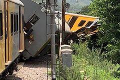 В ЮАР при столкновении поездов ранены более 600 человек: фото и видео смертельного ЧП