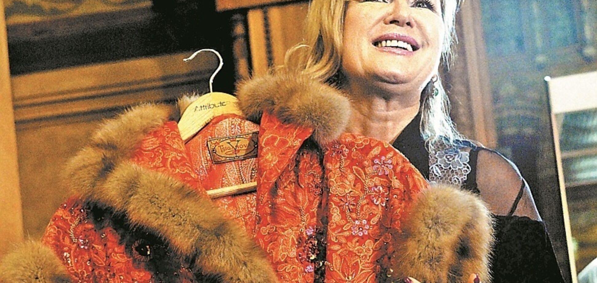 Звездная соратница ''Л/ДНР'' похвалилась странным подарком для жены Трампа