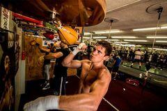 Непереможний український боксер повертається у ринг