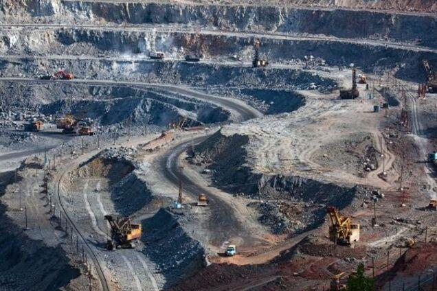 Добыча железной руды в Украине