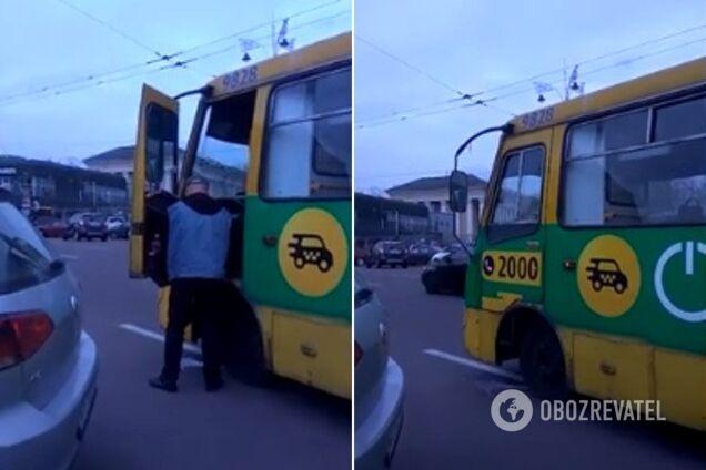 У Києві водій маршрутки оскандалився посеред міста
