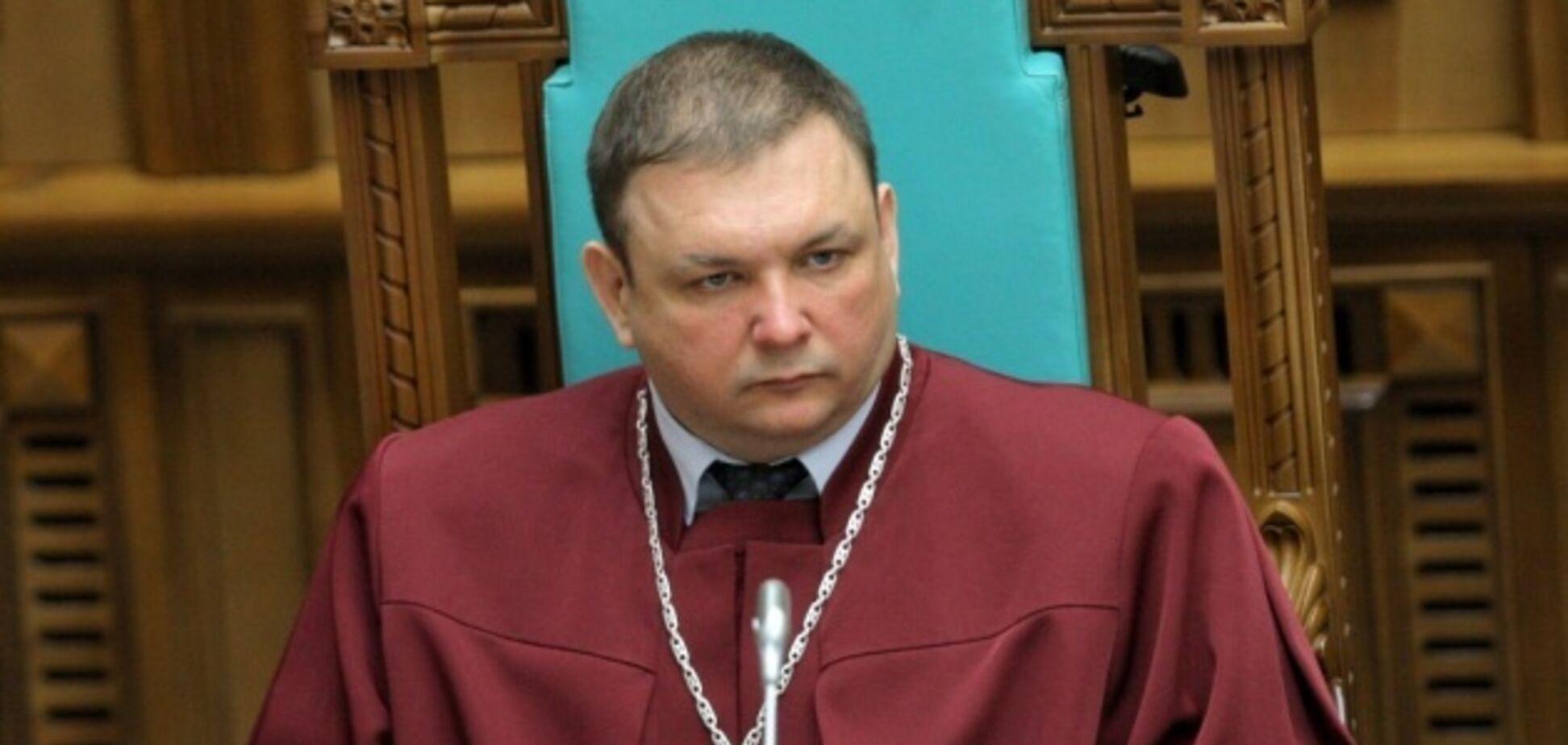 В Україні суд повернув на посаду скандального ексглаву КСУ