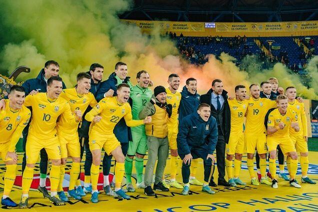 """""""Шева! Шева!"""" Стадион устроил овации тренеру сборной Украины"""
