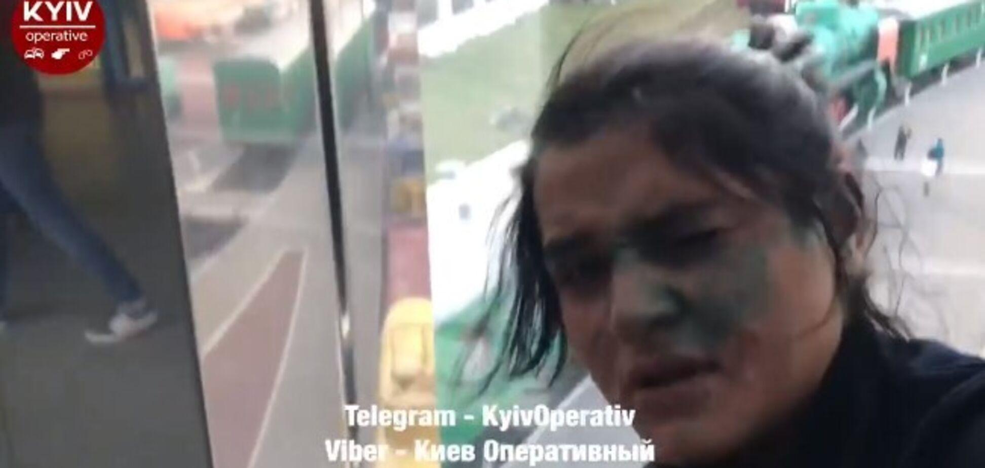 Злодійки в Києві напали на поліцейського
