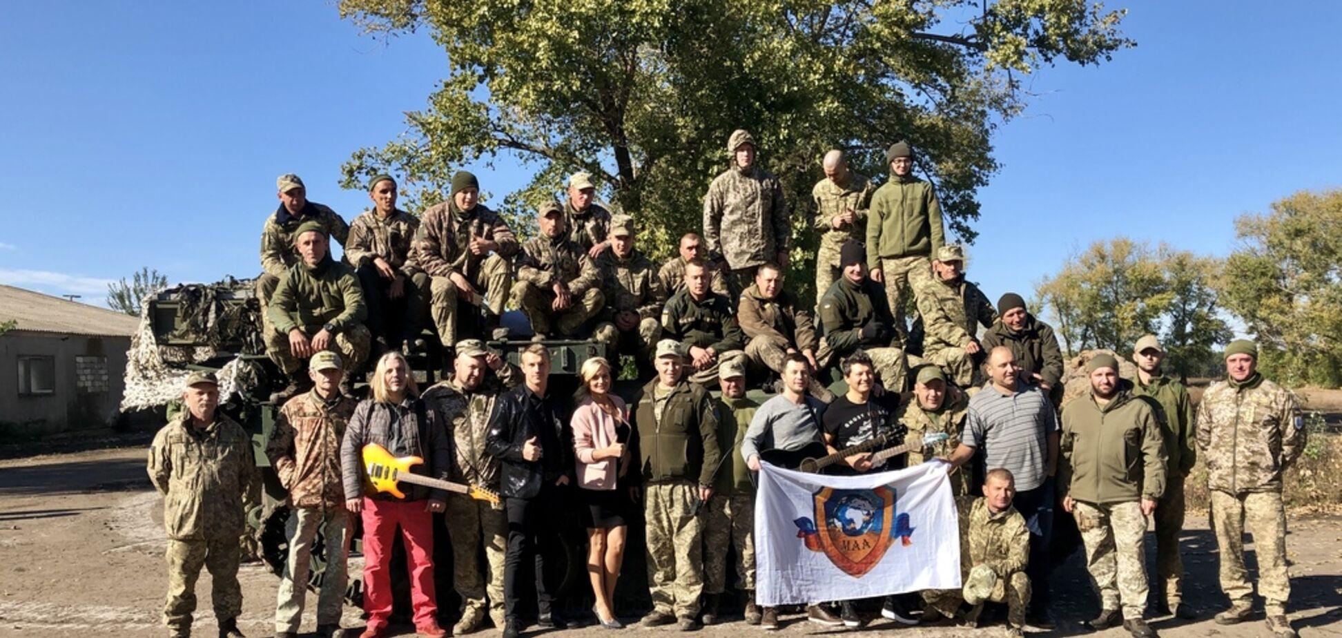 Гурти ZELENO та Кораблі дали концерти у зоні АТО для війсковослужбовців
