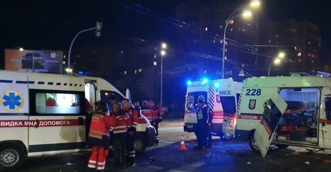 ДТП со скорой в Киеве: момент кровавой трагедии попал на видео