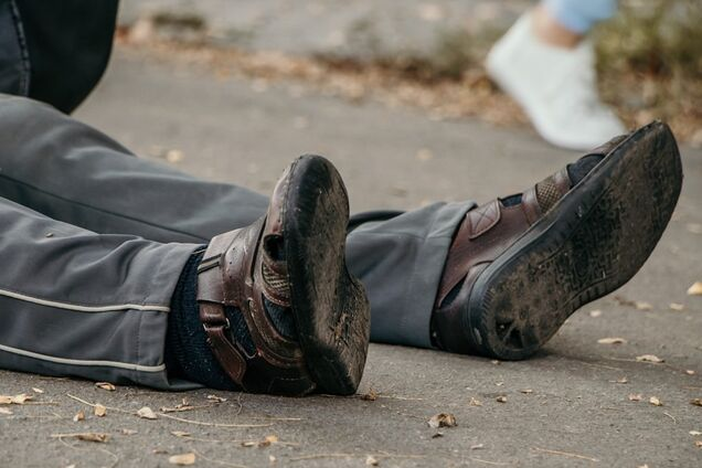 В Днепре внезапно умер мужчина на улице