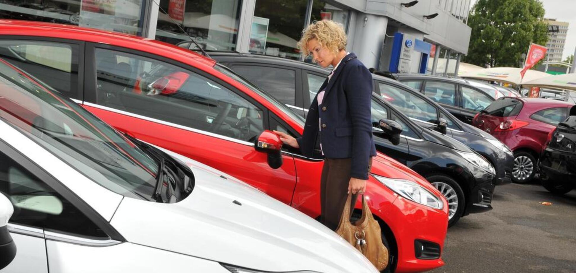 Европейцы спешат обзавестись новенькими авто