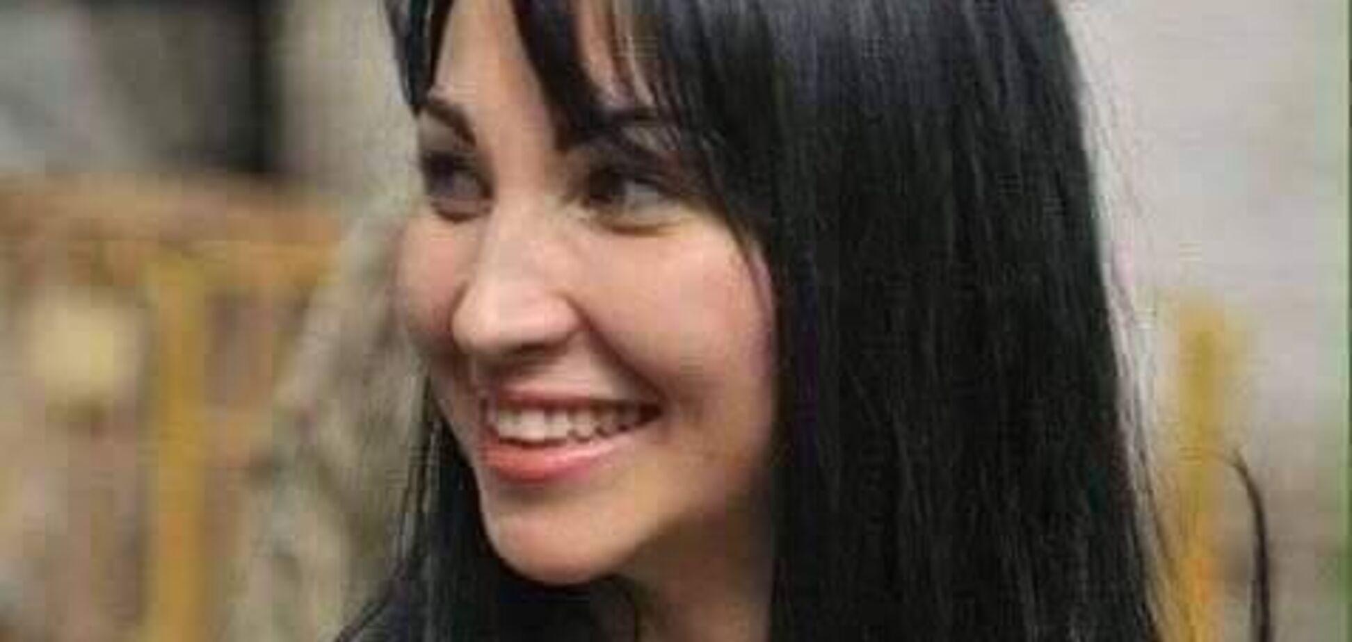 'Проклятая война!' Фото матери с убитой защитницей Украины растрогало сеть
