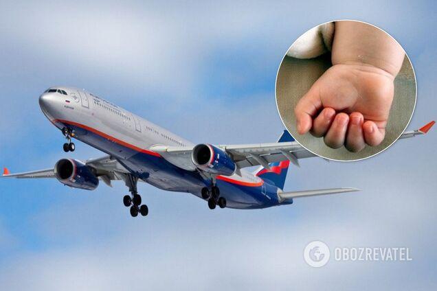 В России на борту самолета умер ребенок