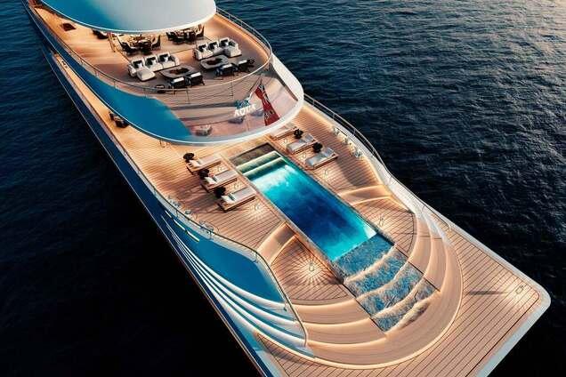 Вид сверху на яхту Aqua