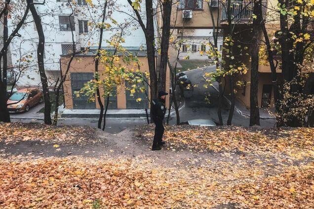 У Києві на території університету культури повісився хлопець