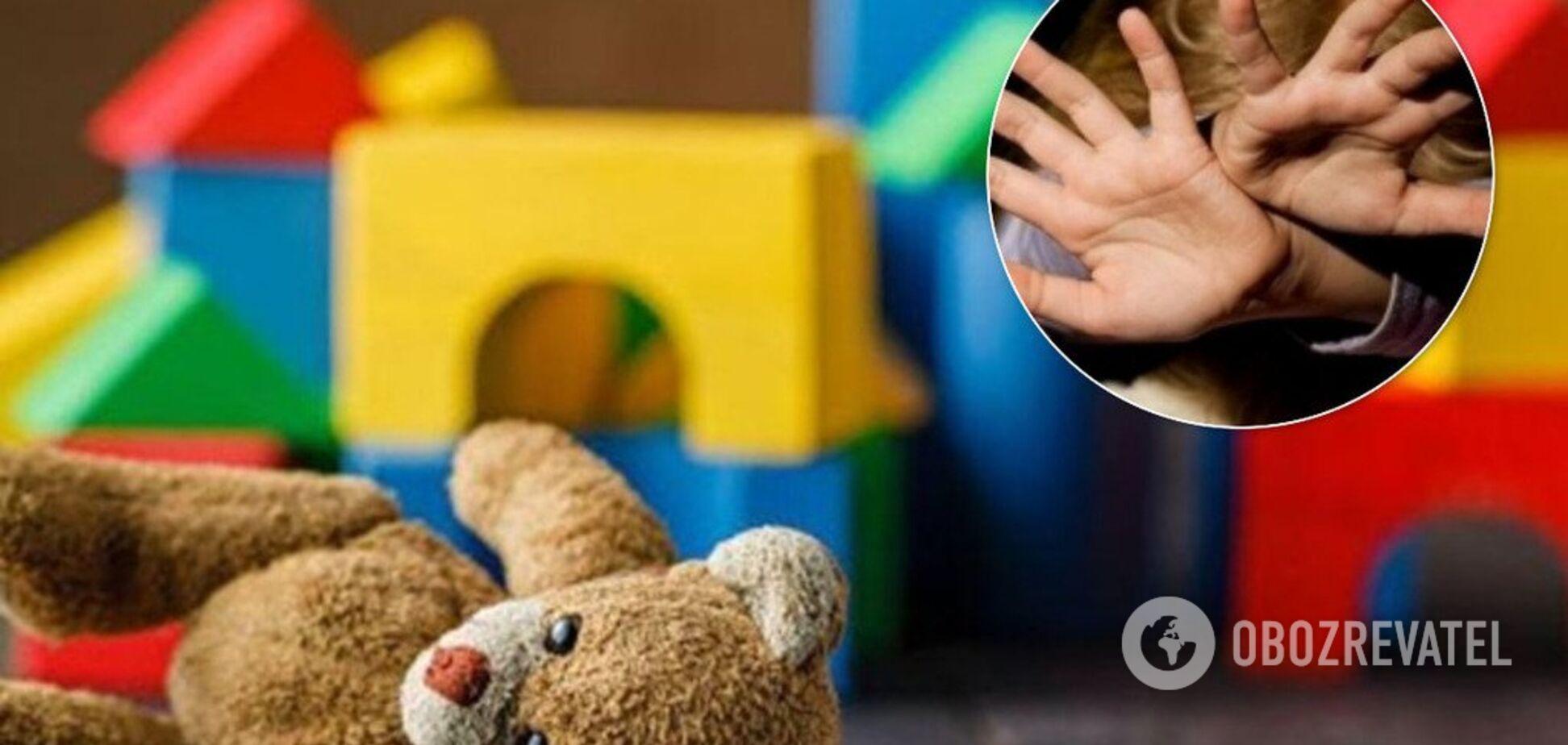 'Д*біл!' У Росії вихователька дитсадка побила дитину
