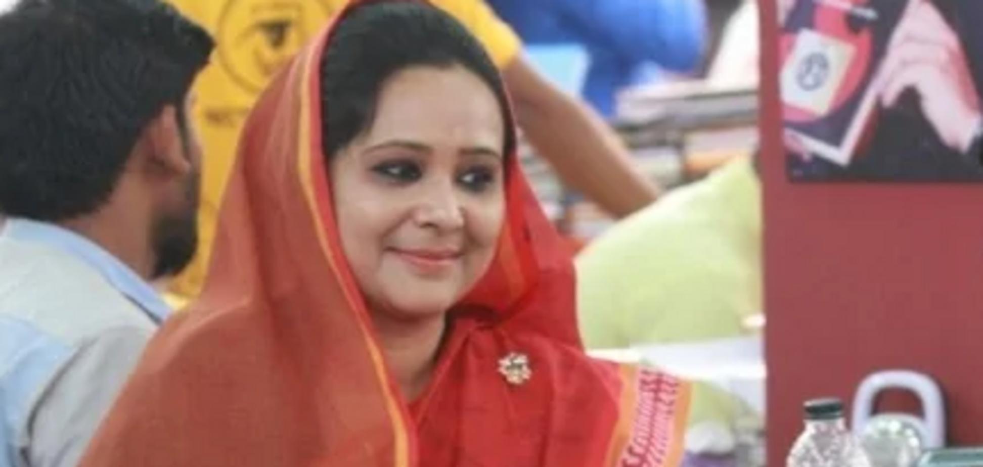 Депутатку з Бангладешу вигнали з університету за шахрайство: подробиці