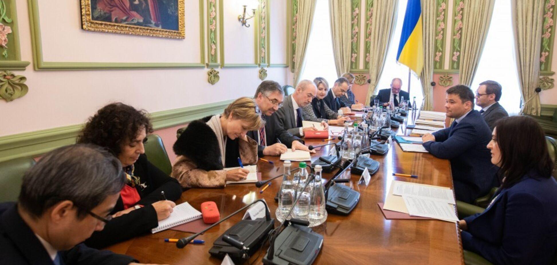 Богдан пошел против Коломойского по ПриватБанку: что сказал глава ОП послам G7