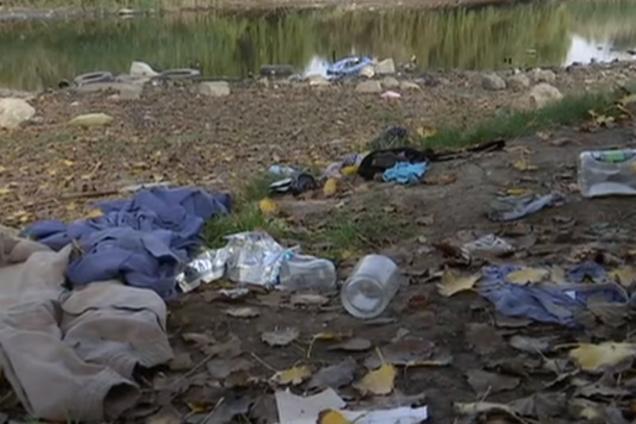 Їли сиру цибулю: в Одесі мати покинула на ставку 6 дітей