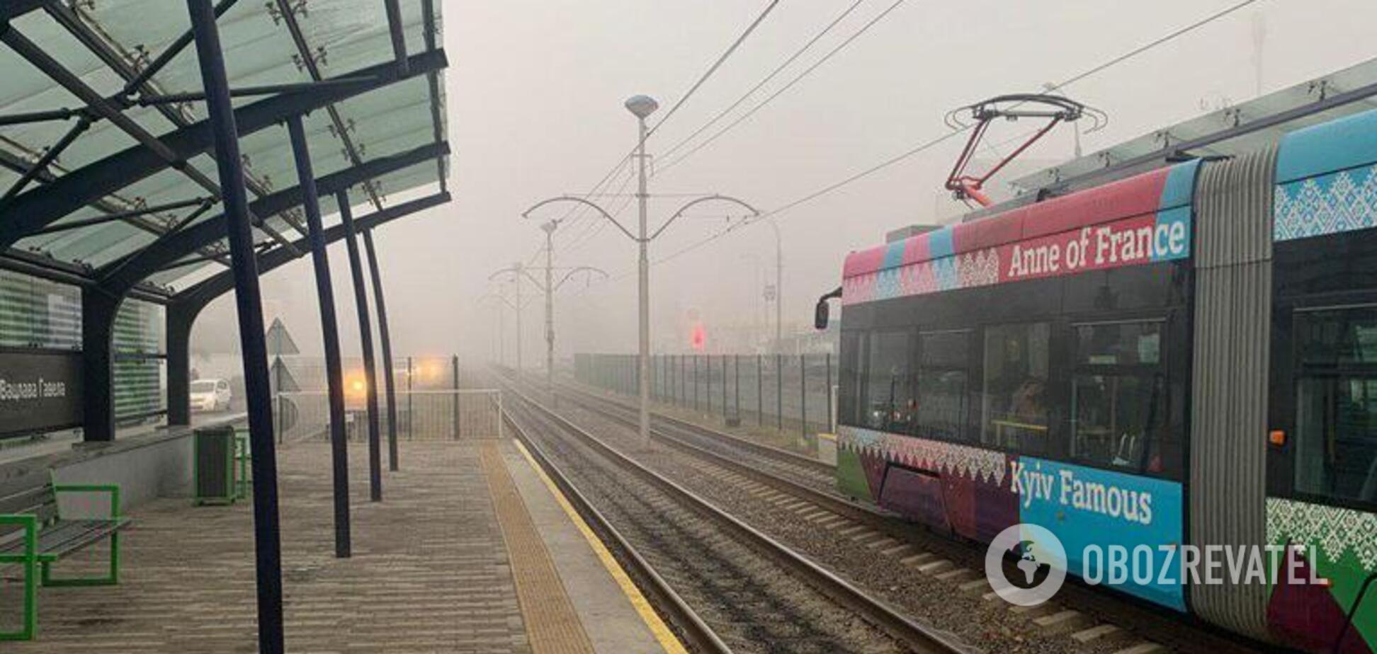 Видимість на рівні 200 м: Київ знову охопив густий туман