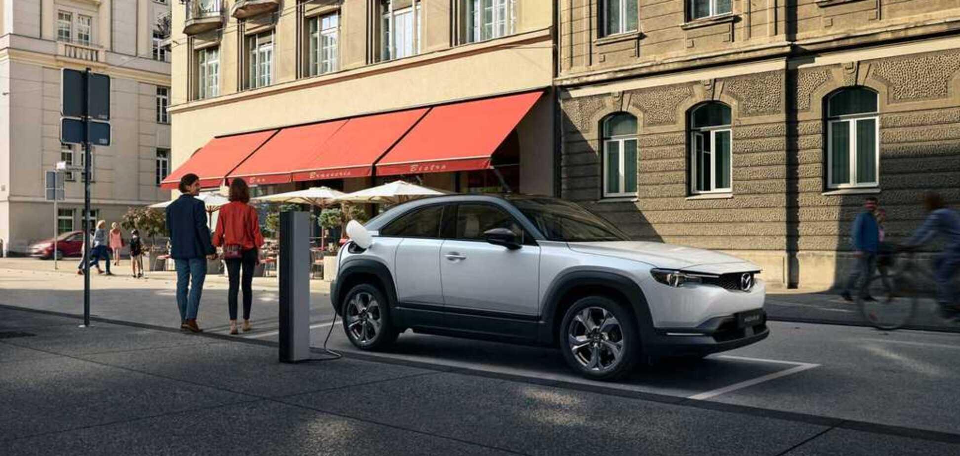 Mazda показала свой первый электрокар с уникальной структурой корпуса