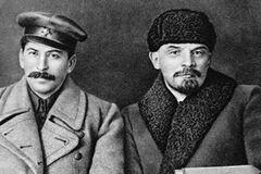 Сталин превратил россиян в пушечное мясо