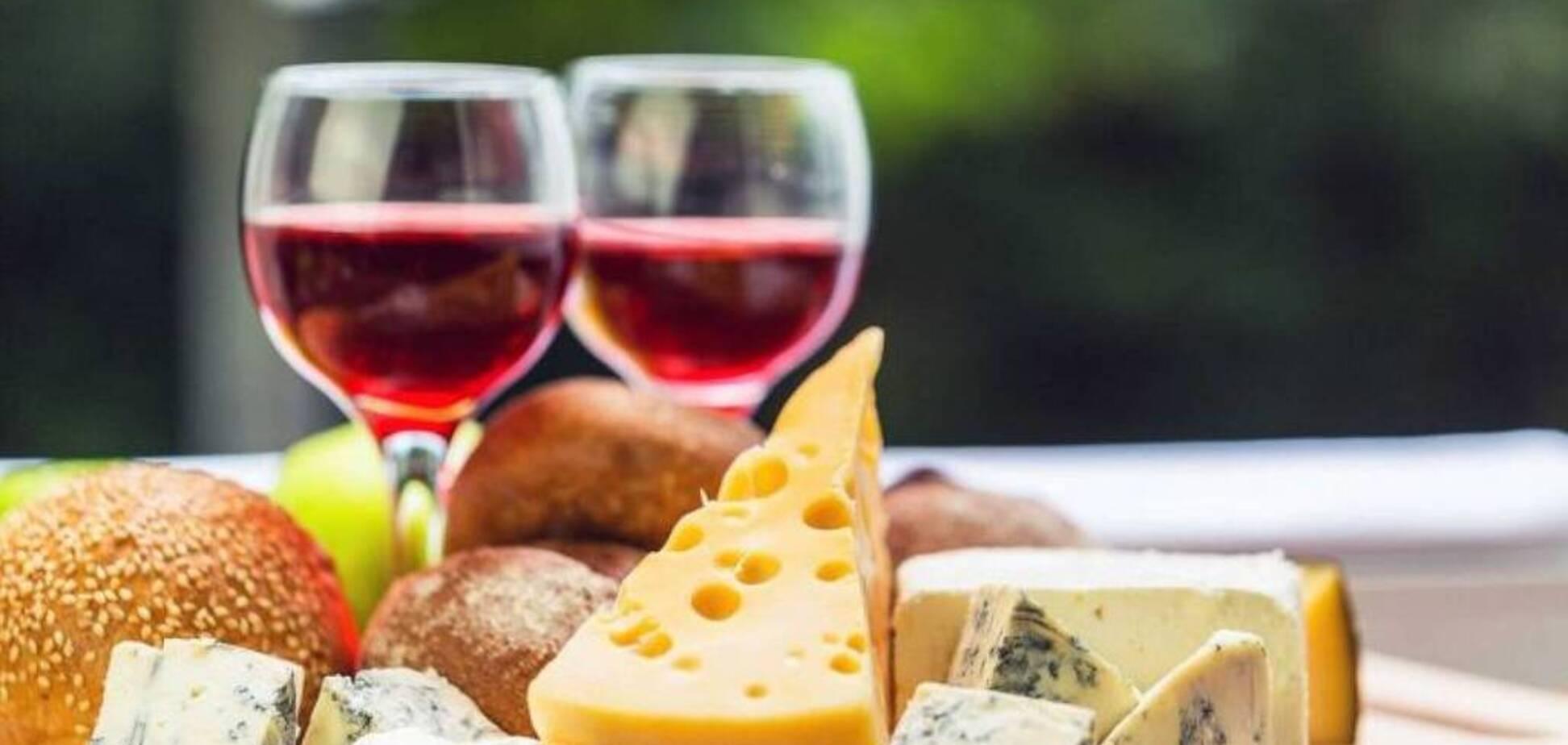 В Днепре начался фестиваль вина и сыра