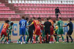 Чеченські футболісти спровокували масову бійку в чемпіонаті Росії - опубліковано відео