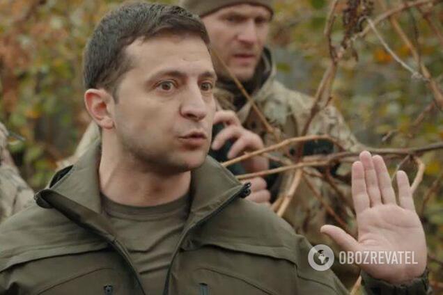 Зеленский во время визита на Донбасс